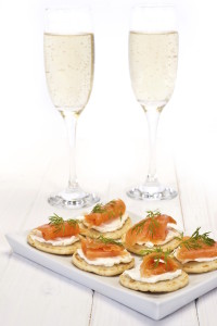 The glamorous couple: smoked salmon and champagne