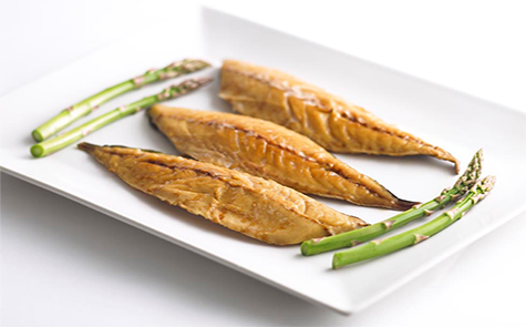Smoked mackerel fillet pair